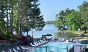 Baker's Sunset Bay & Golf Resort